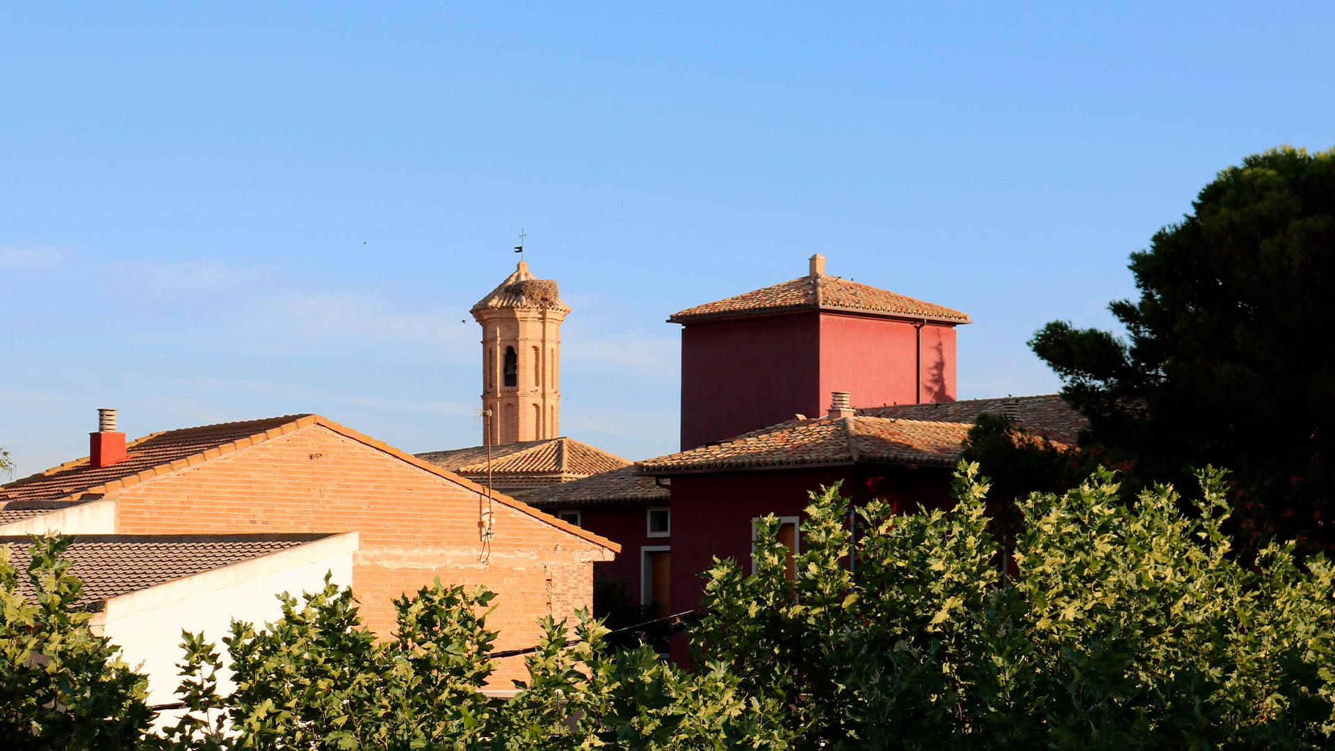 Pinseque Iglesia y Palacio