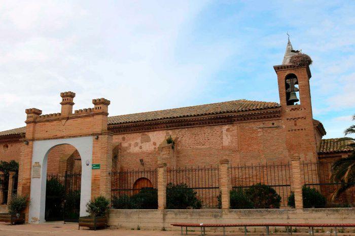 Exterior de la ermita de la Virgen del Castillo en Alagón