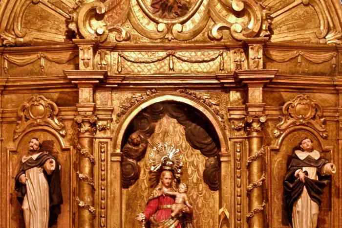 Retablo de Santa Bárbara en la iglesia de la Asunción de Nuestra Señora en Figueruelas