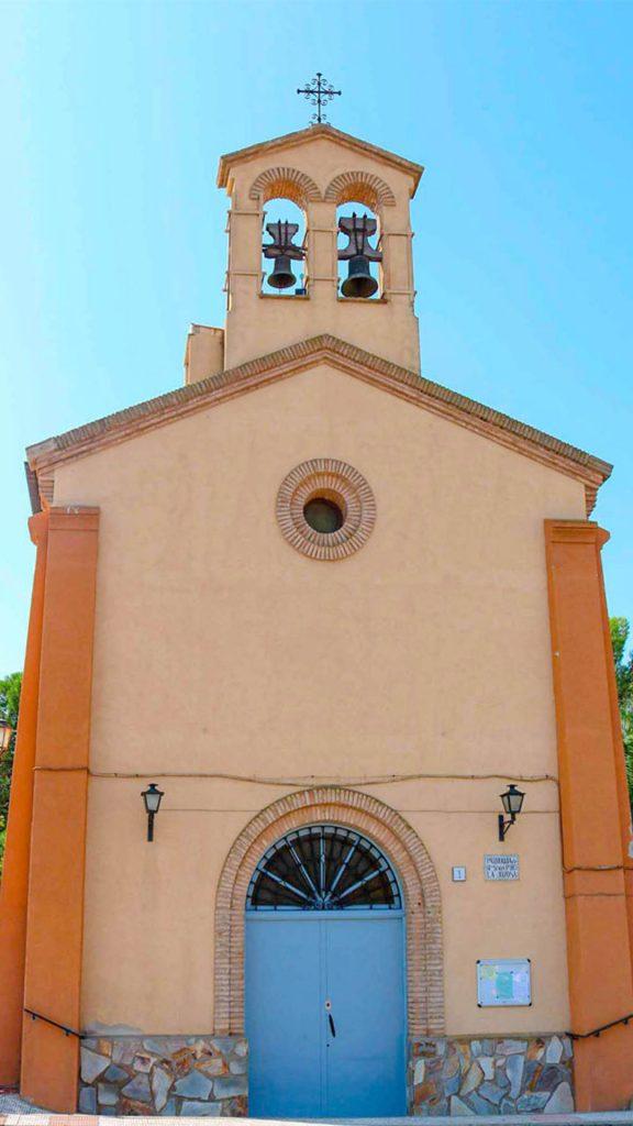 Fachada de la iglesia de Nuestra Señora en La Joyosa (Marlofa).