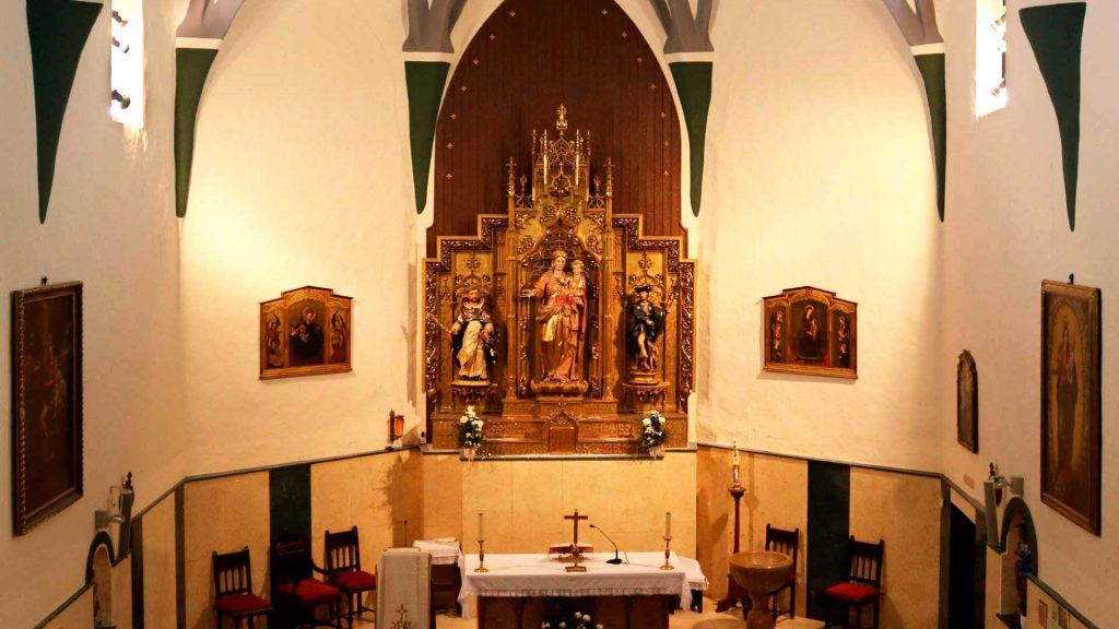 Interior de la iglesia de san Pedro Mártir de Verona en Pinseque