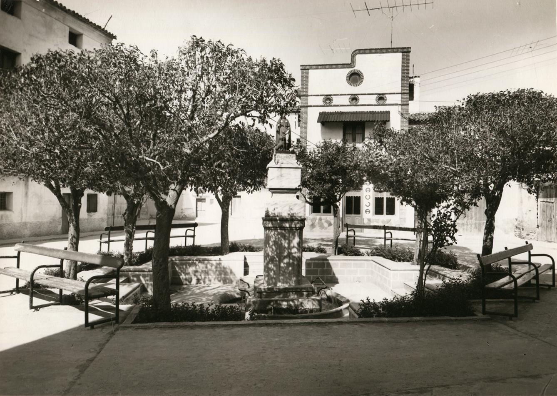 Imagen de Larraz en plaza de San Roque en Pedrola