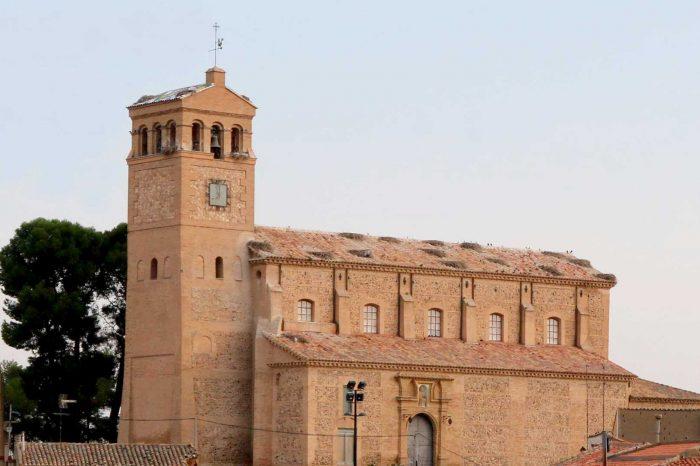 Exterior de la iglesia de San Pedro de Antioquía de Gallur.