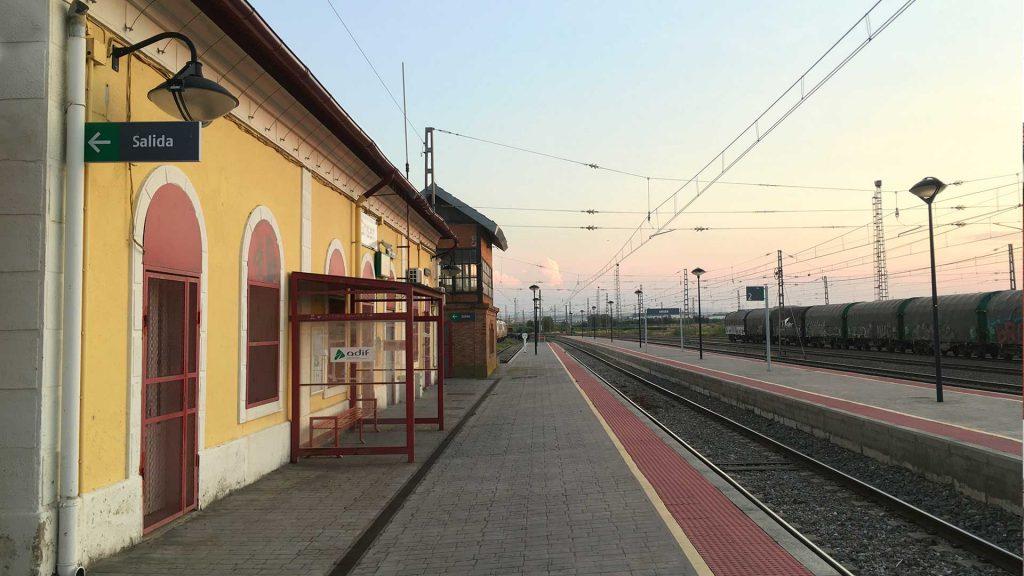Andén de la estación de Grisén