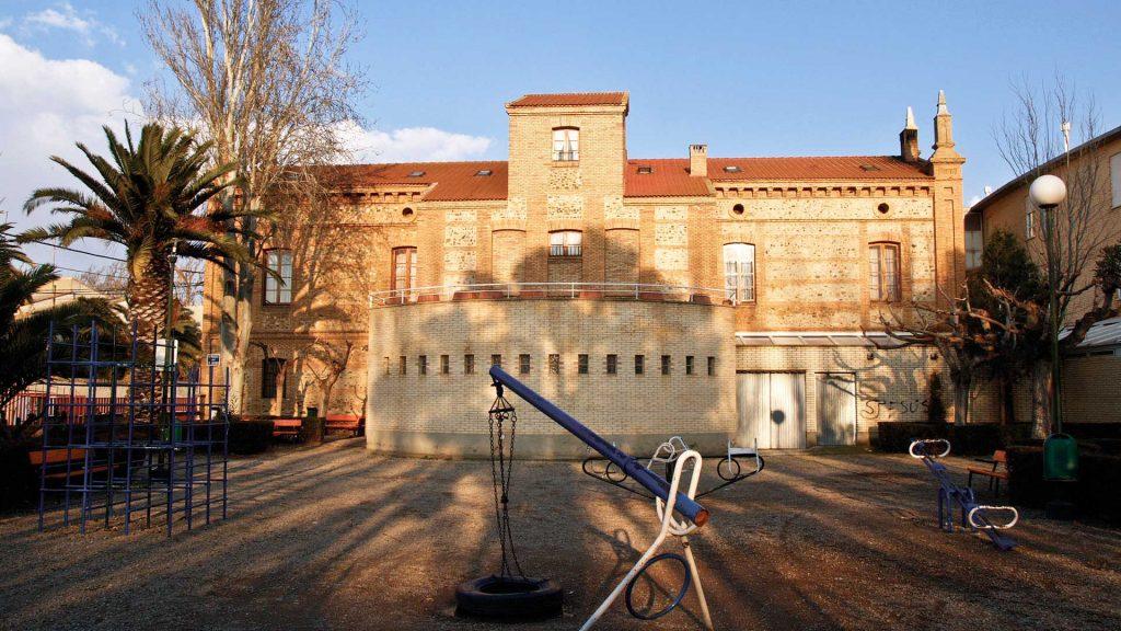 Vista trasera del antiguo hospital Almau en Pedrola