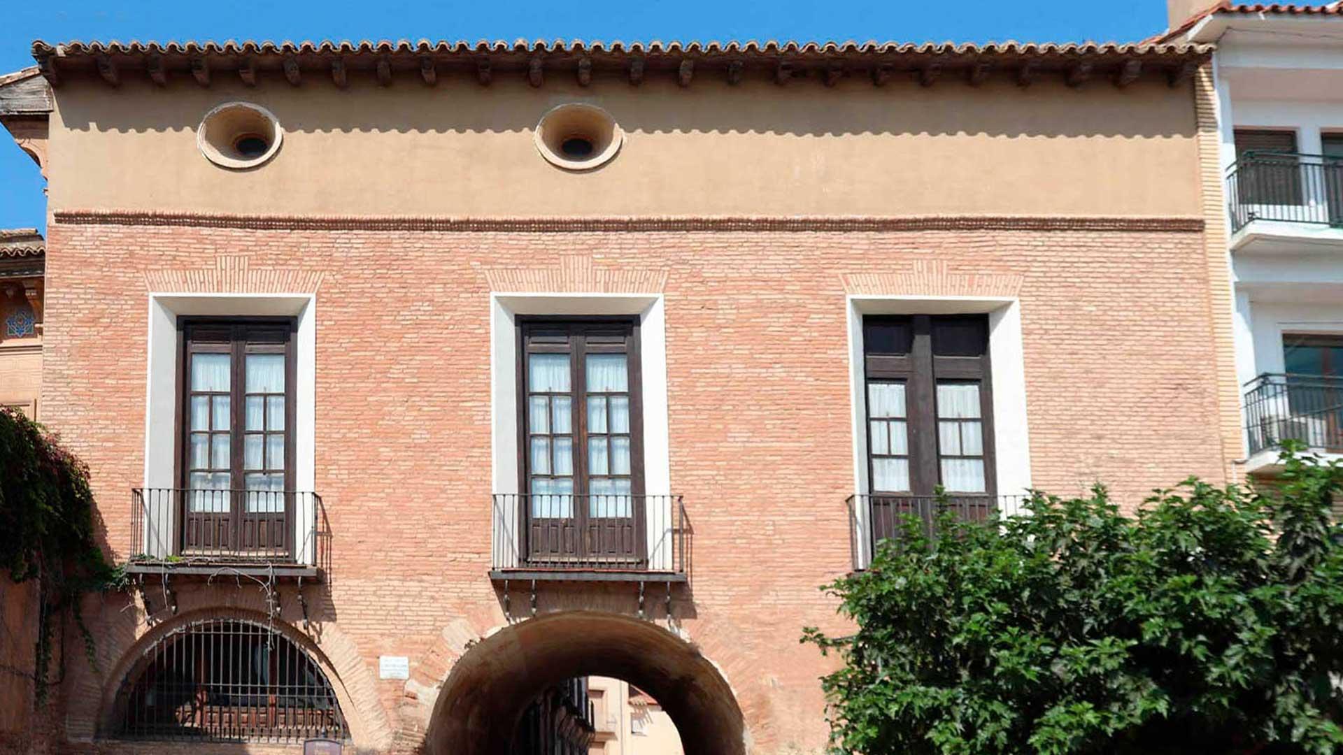 Fachada del palacio de los duques de Villahermosa de Pedrola