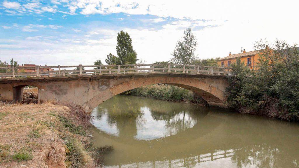 Puente sobre el Canal Imperial en Pedrola.