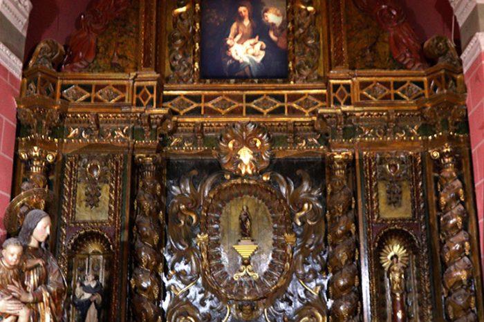 Retablo barroco de la capilla de Urquía en la iglesia de Nuestra Señora de los Ángeles de Pedrola.