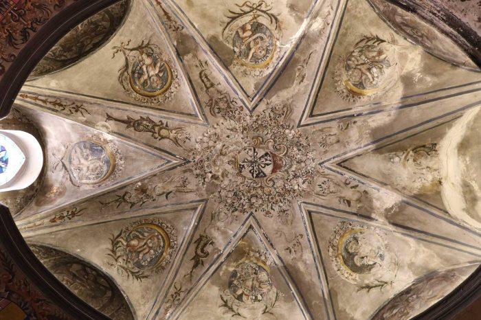 Frescos de la capilla de San Pedro de la iglesia de San Pedro Mártir de Verona en Pinseque
