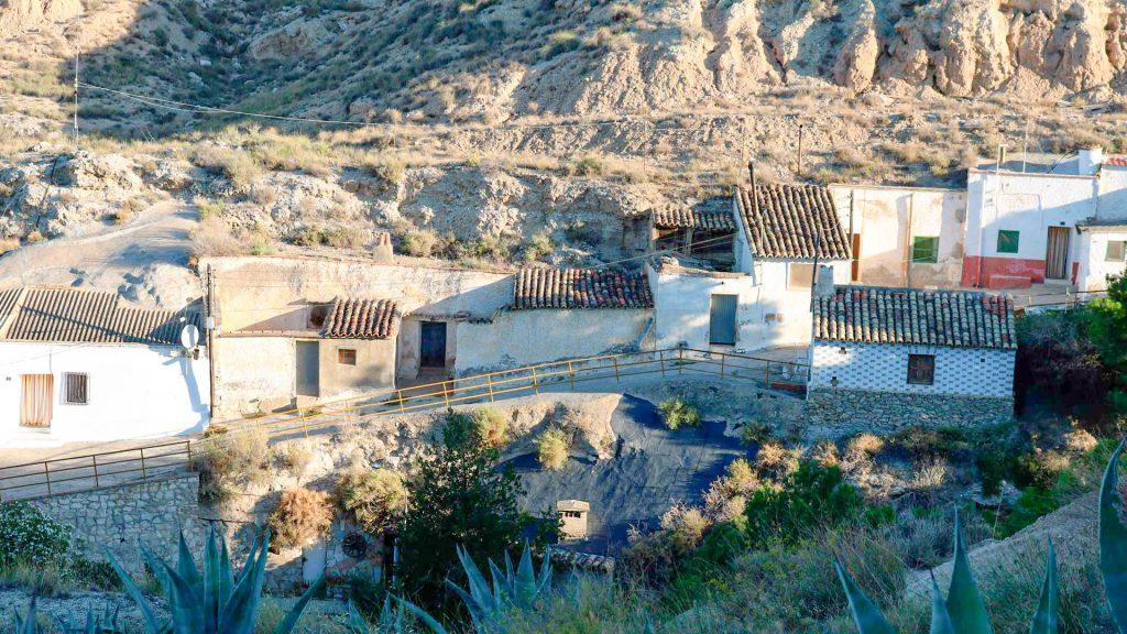 casas cueva de Remolinos