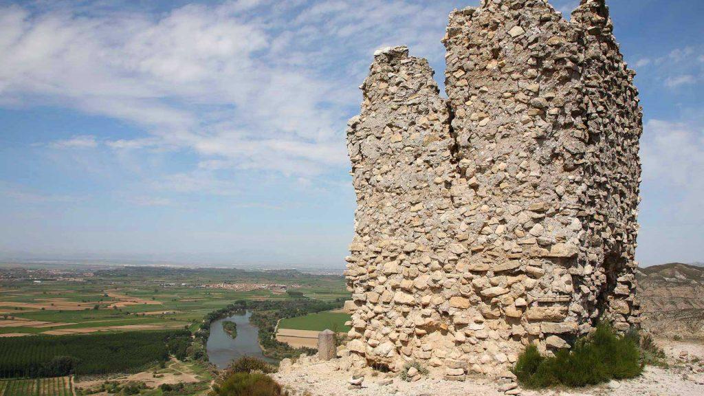 Vista lateral de la Torre de Candespina en Sobradiel